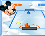 Mickey and friends shoot and score online játék